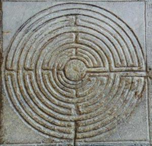 Labyrinthe aux 100 fleurs - Reprise des symboles du labyrinthe par le christianisme